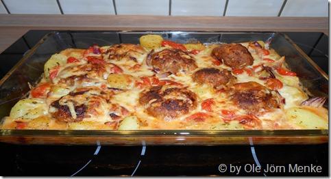 Kartoffel-Frikadellen-Gratin